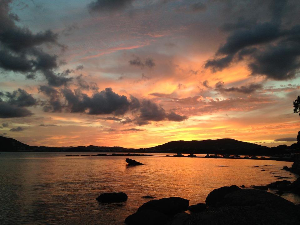 puesta de sol en ibiza (pixabay) ok