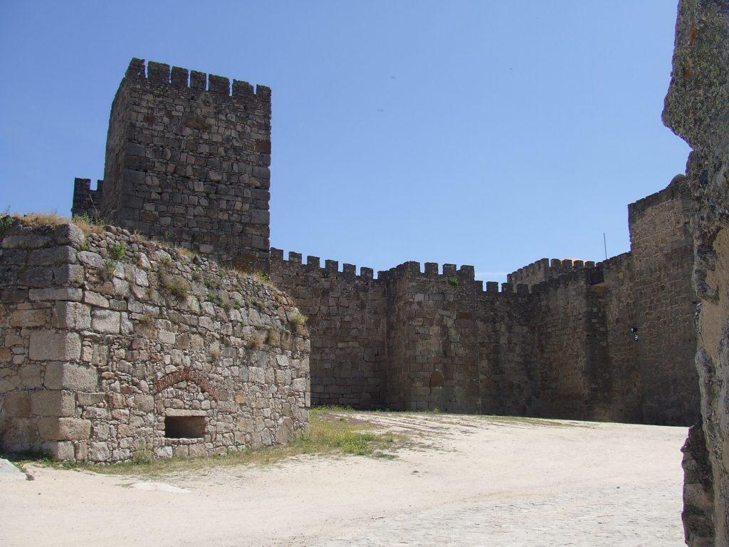 castillo_de_trujillo_02