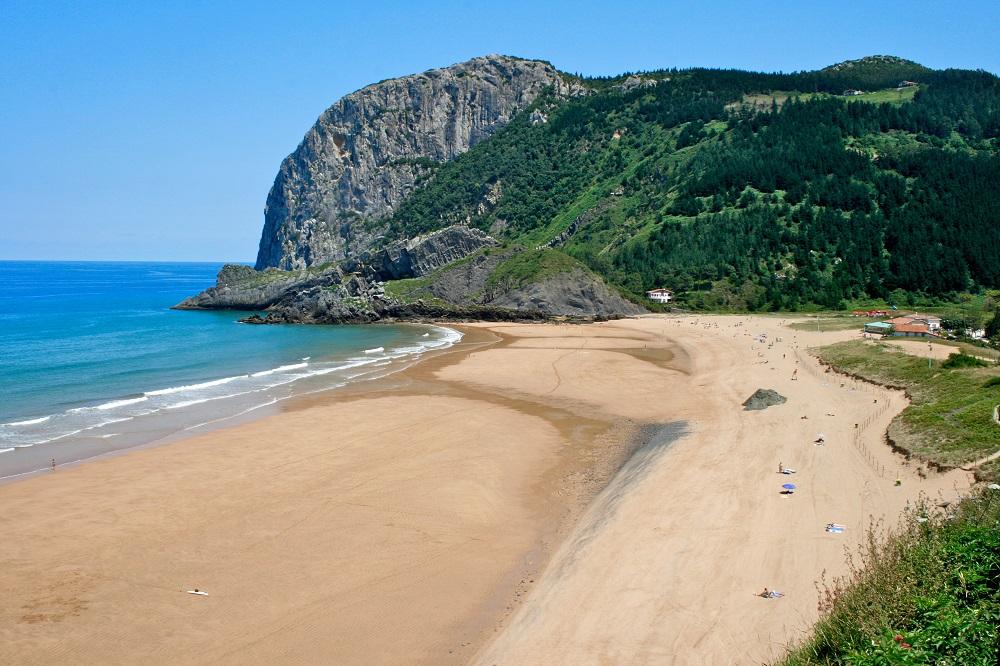 playa-de-laga-wikimedia