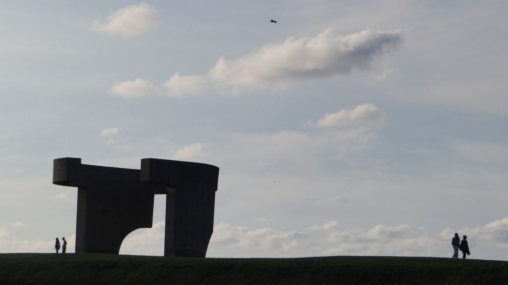 gijon elogio del horizonte escultura chillida