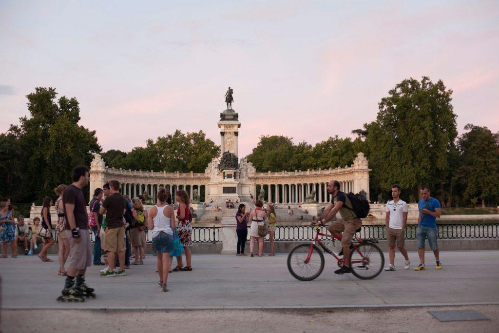 madrid en bici parque retiro foto: istock