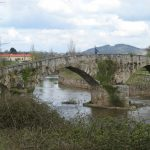 Puente-Viejo_lugones-wikimedia