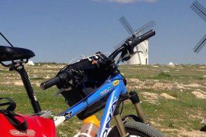 rutas en bici ruta quijote autor viajar en bici